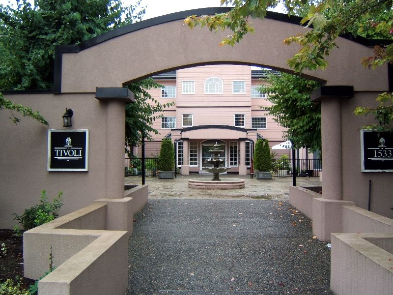 Main Photo: 208 - 1533 Best Street: White Rock Condo for sale (South Surrey White Rock)  : MLS®# F2621592