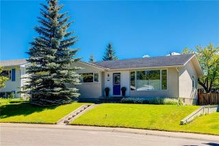 Photo 1: 6124 LEWIS Drive SW in Calgary: Lakeview Detached for sale : MLS®# C4293385