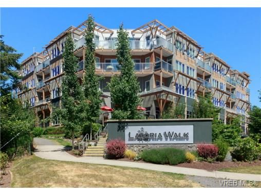 Main Photo: 307 611 Brookside Rd in VICTORIA: Co Latoria Condo for sale (Colwood)  : MLS®# 733632