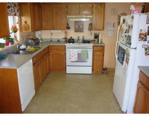 Photo 2: Photos: 20207 STANTON Avenue in Maple_Ridge: Southwest Maple Ridge House for sale (Maple Ridge)  : MLS®# V779045