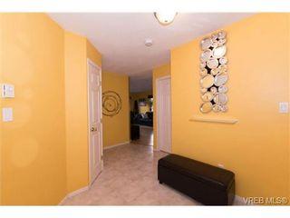 Photo 2: 104 1028 Balmoral Rd in VICTORIA: Vi Central Park Condo for sale (Victoria)  : MLS®# 742330