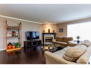 "Photo 3: 202 13910 101ST Street in Surrey: Whalley Condo for sale in ""THE BREEZWAY"" (North Surrey)  : MLS®# F1410890"