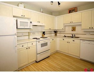 "Photo 3: 101 5556 201A Street in Langley: Langley City Condo for sale in ""MICHAUD GARDENS"" : MLS®# F2822455"