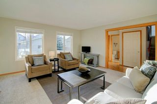 Photo 5: 39 INVERNESS Boulevard SE in Calgary: McKenzie Towne Detached for sale : MLS®# C4215611