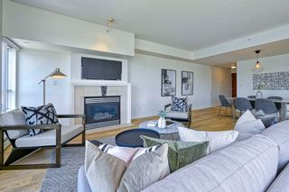 """Photo 6: 705 1383 MARINASIDE Crescent in Vancouver: Yaletown Condo for sale in """"COLUMBUS"""" (Vancouver West)  : MLS®# R2594508"""