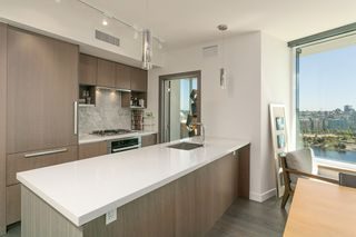 Photo 3: 1809 68 SMITHE STREET in Vancouver: Downtown VW Condo for sale (Vancouver West)  : MLS®# R2201355