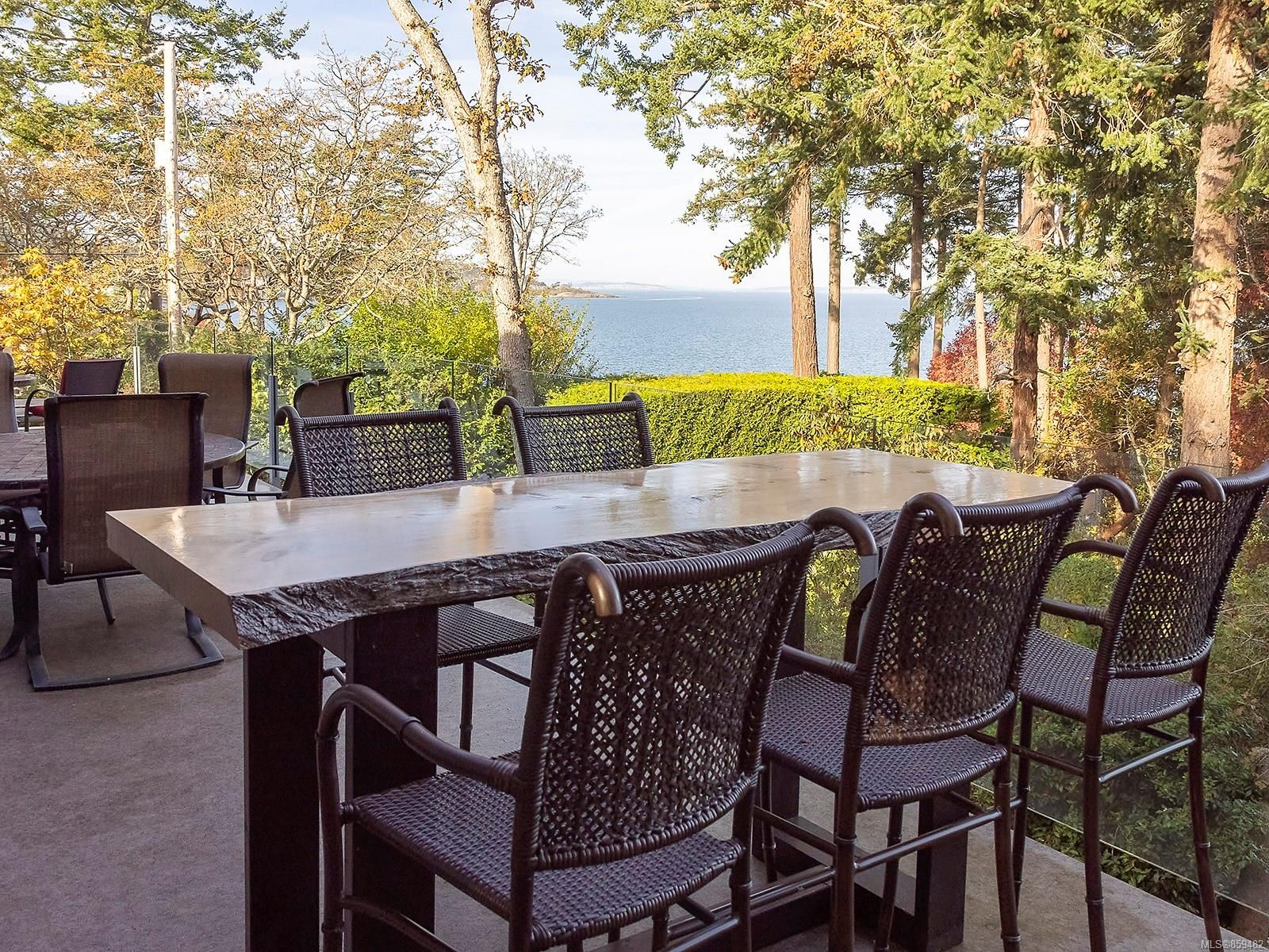 Photo 15: Photos: 4086 Monarch Pl in : SE Arbutus House for sale (Saanich East)  : MLS®# 859482