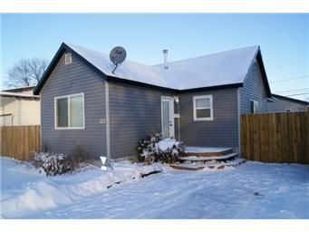 Main Photo: 112 North Railway Street West: Warman Single Family Dwelling for sale (Saskatoon NW)  : MLS®# 386358