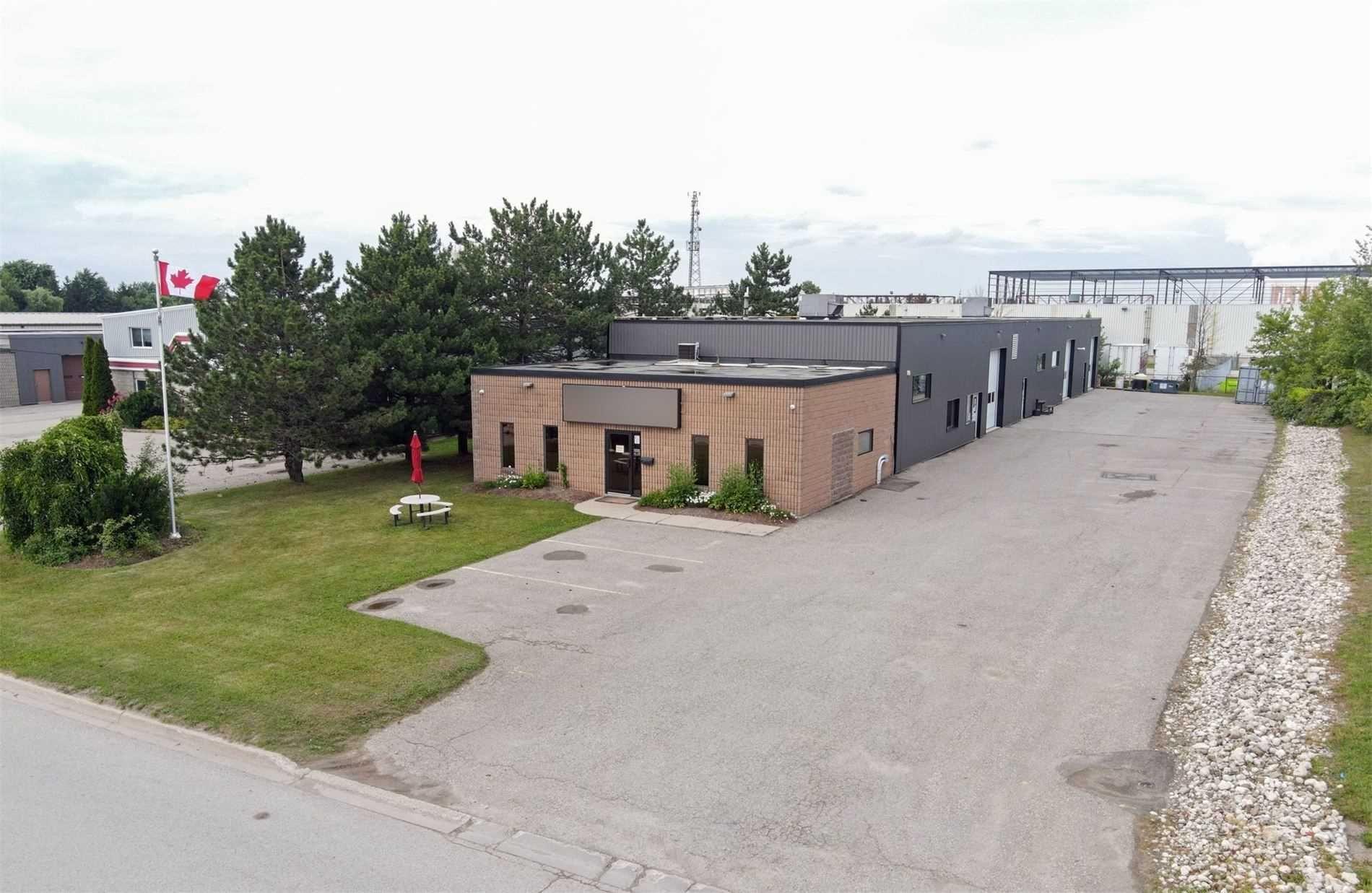 Main Photo: 15 Stewart Court: Orangeville Property for sale : MLS®# W5312634