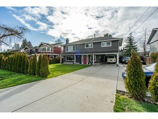 Photo 1: 5838 CRESCENT Drive in Delta: Hawthorne House for sale (Ladner)  : MLS®# R2433047
