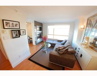 """Photo 2: 1102 1189 HOWE Street in Vancouver: Downtown VW Condo for sale in """"THE GENESIS"""" (Vancouver West)  : MLS®# V779458"""