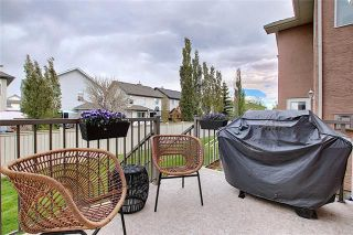 Photo 2: 33 ROYAL CREST View NW in Calgary: Royal Oak Semi Detached for sale : MLS®# C4299689