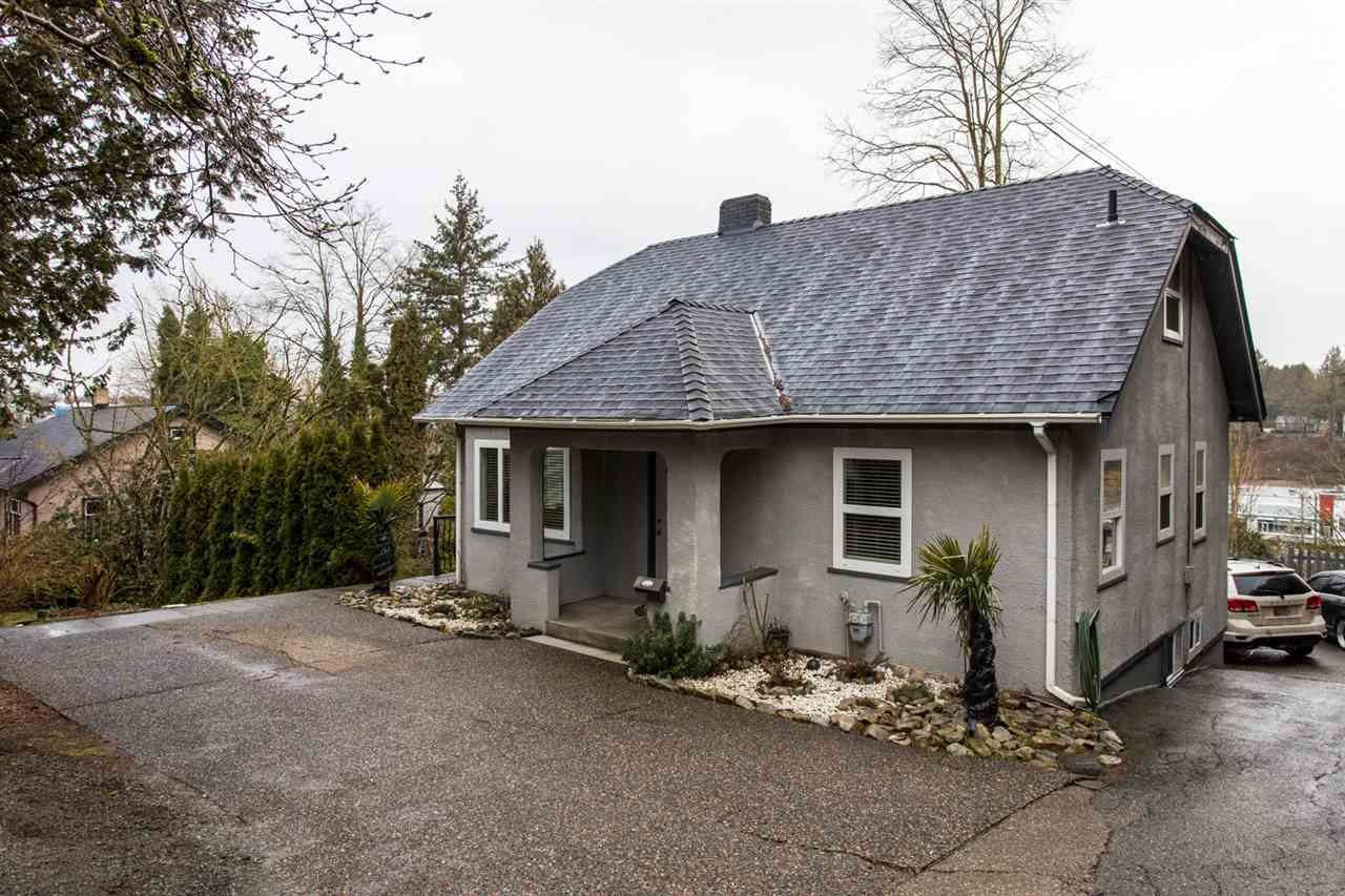 Main Photo: 2340 MCKENZIE Road in Abbotsford: Central Abbotsford House for sale : MLS®# R2540776