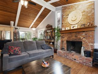 Photo 3: 923 Stellys Cross Rd in : CS Brentwood Bay House for sale (Central Saanich)  : MLS®# 875088