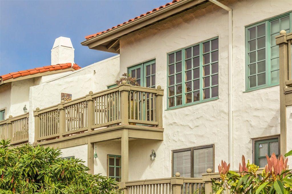 Main Photo: ENCINITAS Townhouse for sale : 2 bedrooms : 330 Vista Del Rey in 92024