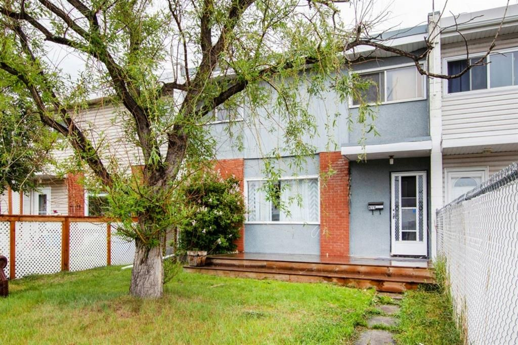 Main Photo: 411 Goddard Avenue NE in Calgary: Greenview Row/Townhouse for sale : MLS®# A1119433