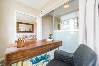 """Photo 8: 910 1708 COLUMBIA Street in Vancouver: False Creek Condo for sale in """"WALL CENTRE FALSE CREEK"""" (Vancouver West)  : MLS®# R2388986"""