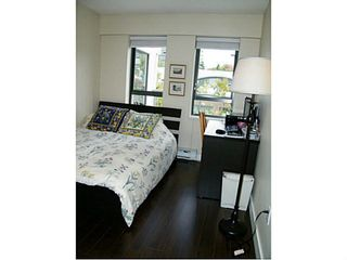 "Photo 8: 415 225 NEWPORT Drive in Port Moody: North Shore Pt Moody Condo for sale in ""Caledonia"" : MLS®# V1141316"