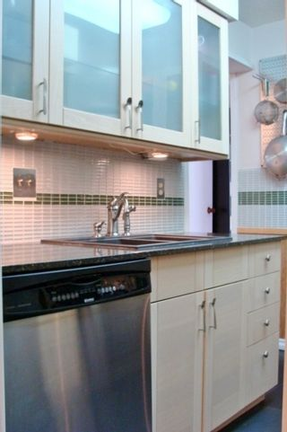 """Photo 10: 109 708 8TH Avenue in New Westminster: Uptown NW Condo for sale in """"VILLA FRANCISCAN"""" : MLS®# V944365"""