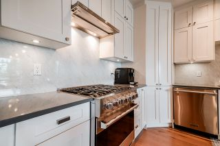 """Photo 4: 508 14855 THRIFT Avenue: White Rock Condo for sale in """"ROYCE"""" (South Surrey White Rock)  : MLS®# R2465060"""