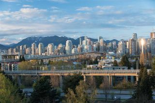 Photo 2: 702 1485 W 6TH AVENUE in Vancouver: False Creek Condo for sale (Vancouver West)  : MLS®# R2158110