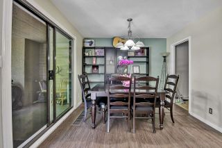 """Photo 5: 10524 HOLLY PARK Lane in Surrey: Guildford Townhouse for sale in """"Holly Park Lane"""" (North Surrey)  : MLS®# R2615553"""