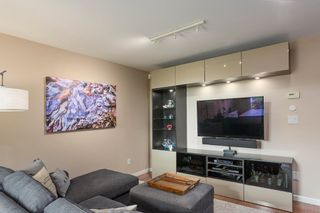 """Photo 8: 1585 BOWSER Avenue in North Vancouver: Norgate Townhouse for sale in """"Illahee"""" : MLS®# R2465696"""