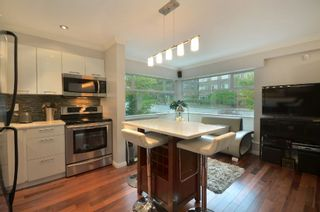 """Photo 7: 999 W 20TH Avenue in Vancouver: Cambie Townhouse for sale in """"OAK CREST"""" (Vancouver West)  : MLS®# R2039700"""