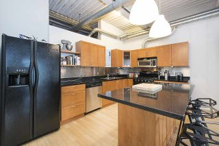"""Photo 10: 210 237 E 4TH Avenue in Vancouver: Mount Pleasant VE Condo for sale in """"ARTWORKS"""" (Vancouver East)  : MLS®# R2239279"""