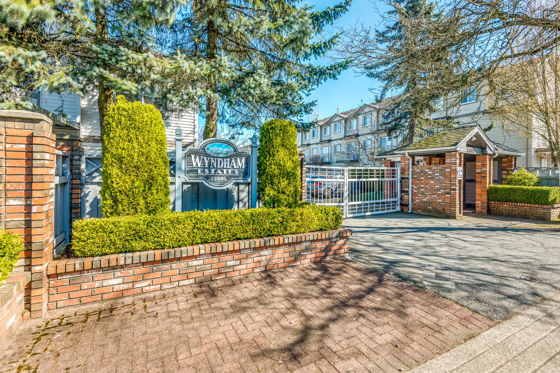 "Main Photo: 103 13895 102 Avenue in Surrey: Whalley Townhouse for sale in ""WYNDHAM ESTATES NW 2960"" (North Surrey)  : MLS®# R2567262"