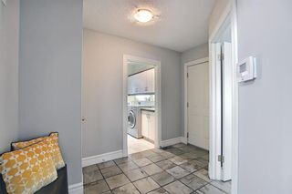 Photo 16: 430 Sierra Madre Court SW in Calgary: Signal Hill Detached for sale : MLS®# A1100260
