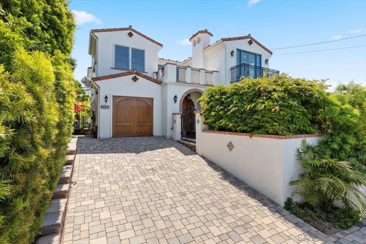 Main Photo: ENCINITAS House for sale : 5 bedrooms : 1015 Gardena Road