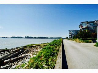 "Photo 3: 205 14200 RIVERPORT Way in Richmond: East Richmond Condo for sale in ""WATERSTONE PIER"" : MLS®# R2161981"