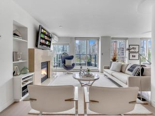 """Photo 26: 801 1383 MARINASIDE Crescent in Vancouver: Yaletown Condo for sale in """"COLUMBUS"""" (Vancouver West)  : MLS®# R2504775"""