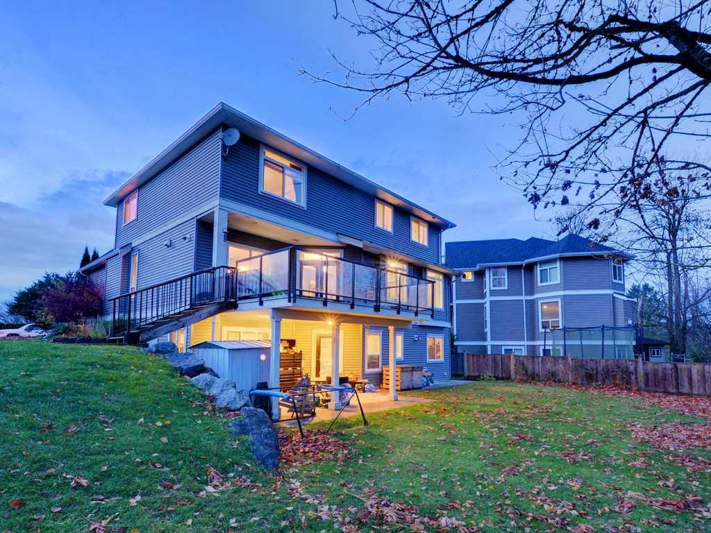"""Photo 15: Photos: 3998 CAVES Court in Abbotsford: Abbotsford East House for sale in """"SANDY HILL"""" : MLS®# R2222568"""