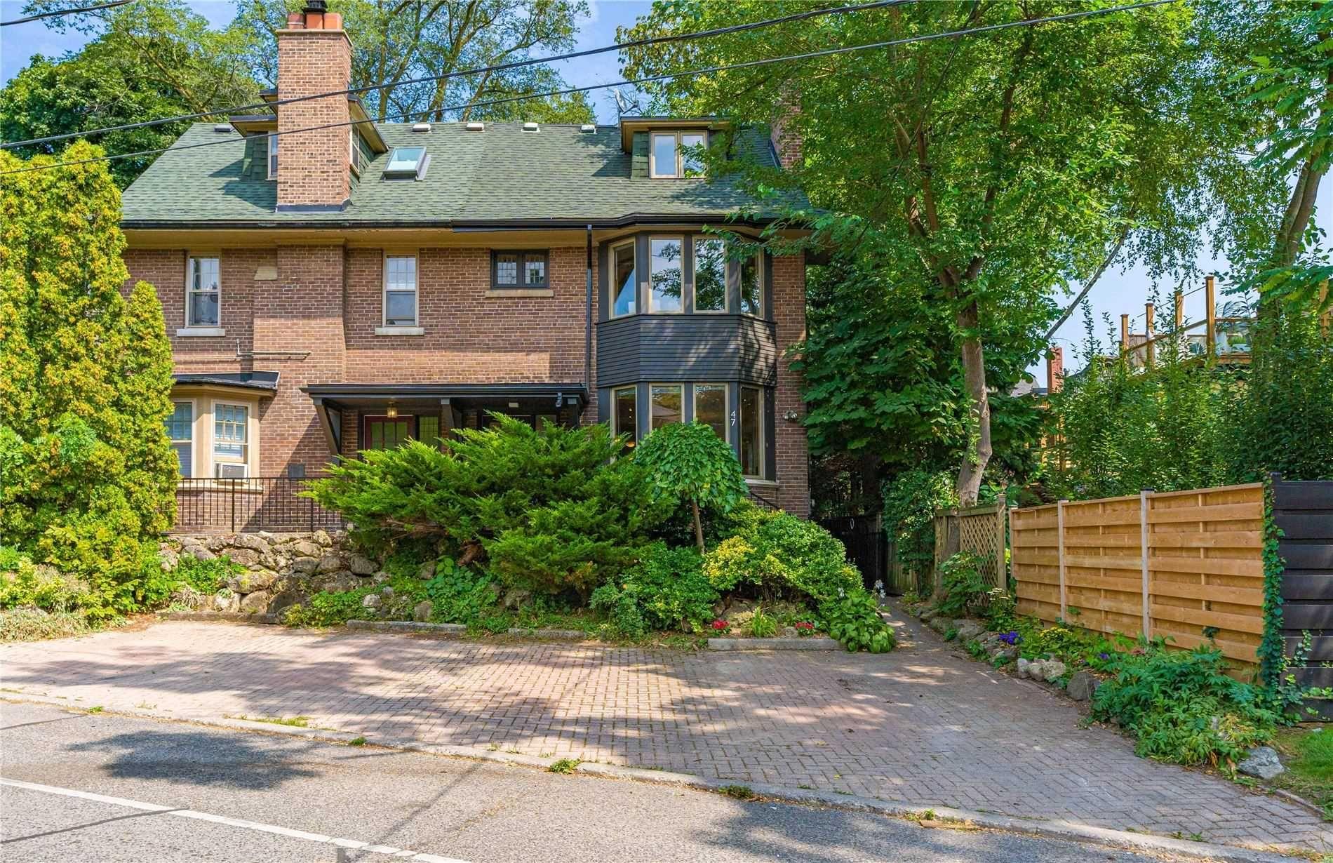 Main Photo: 47 Poplar Plains Road in Toronto: Casa Loma House (2 1/2 Storey) for sale (Toronto C02)  : MLS®# C5376433
