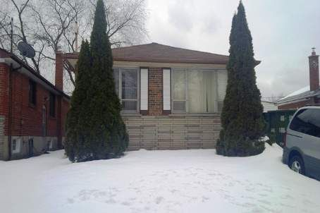Main Photo: 812 Scarborough Golf Clu in Toronto: Woburn House (Bungalow) for sale (Toronto E09)  : MLS®# E2565918
