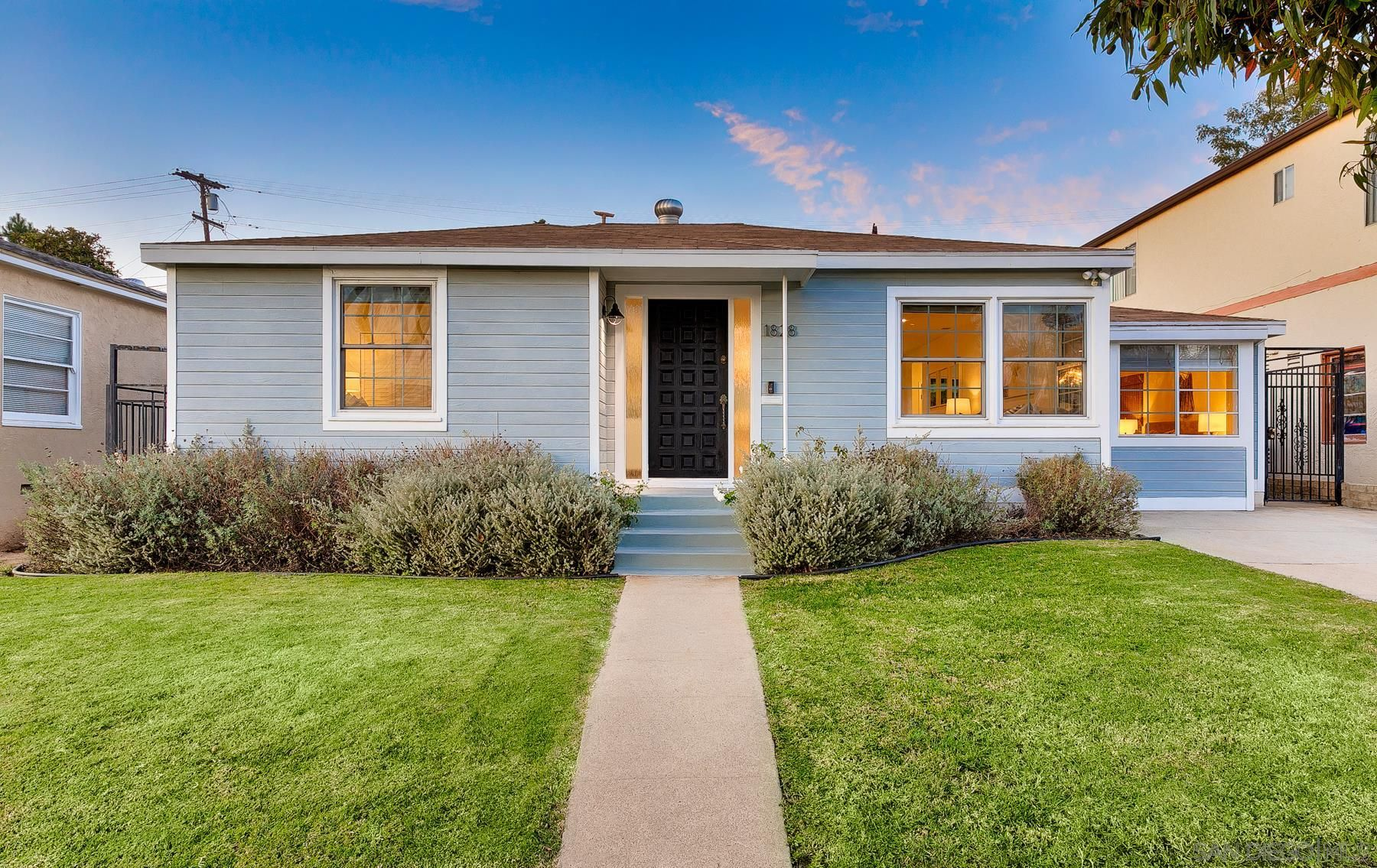 Main Photo: PACIFIC BEACH House for sale : 4 bedrooms : 1828 Law St in San Diego
