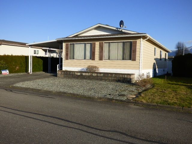 """Main Photo: 101 9055 ASHWELL Road in Chilliwack: Chilliwack W Young-Well Manufactured Home for sale in """"Rainbow Estates"""" : MLS®# R2437311"""