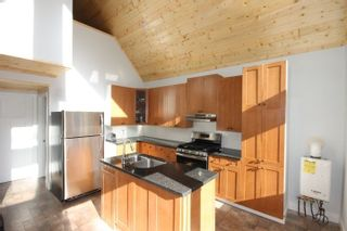 """Photo 9: BLK A HARRISON Lake: Harrison Hot Springs House for sale in """"Harrison Lake Waterfront"""" : MLS®# R2546600"""