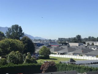 """Photo 5: 313 8531 YOUNG Road in Chilliwack: Chilliwack W Young-Well Condo for sale in """"THE AUBURN RETIREMENT RESIDENCES"""" : MLS®# R2539037"""