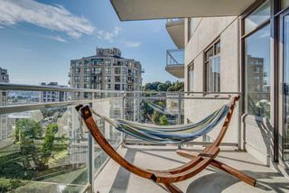 "Photo 12: 1509 892 CARNARVON Street in New Westminster: Downtown NW Condo for sale in ""Azure Li"" : MLS®# R2491135"