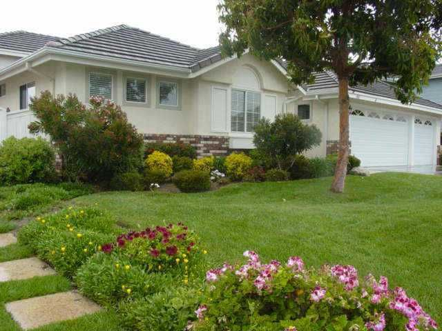 Main Photo: OCEANSIDE House for sale : 4 bedrooms : 4867 Marblehead Bay