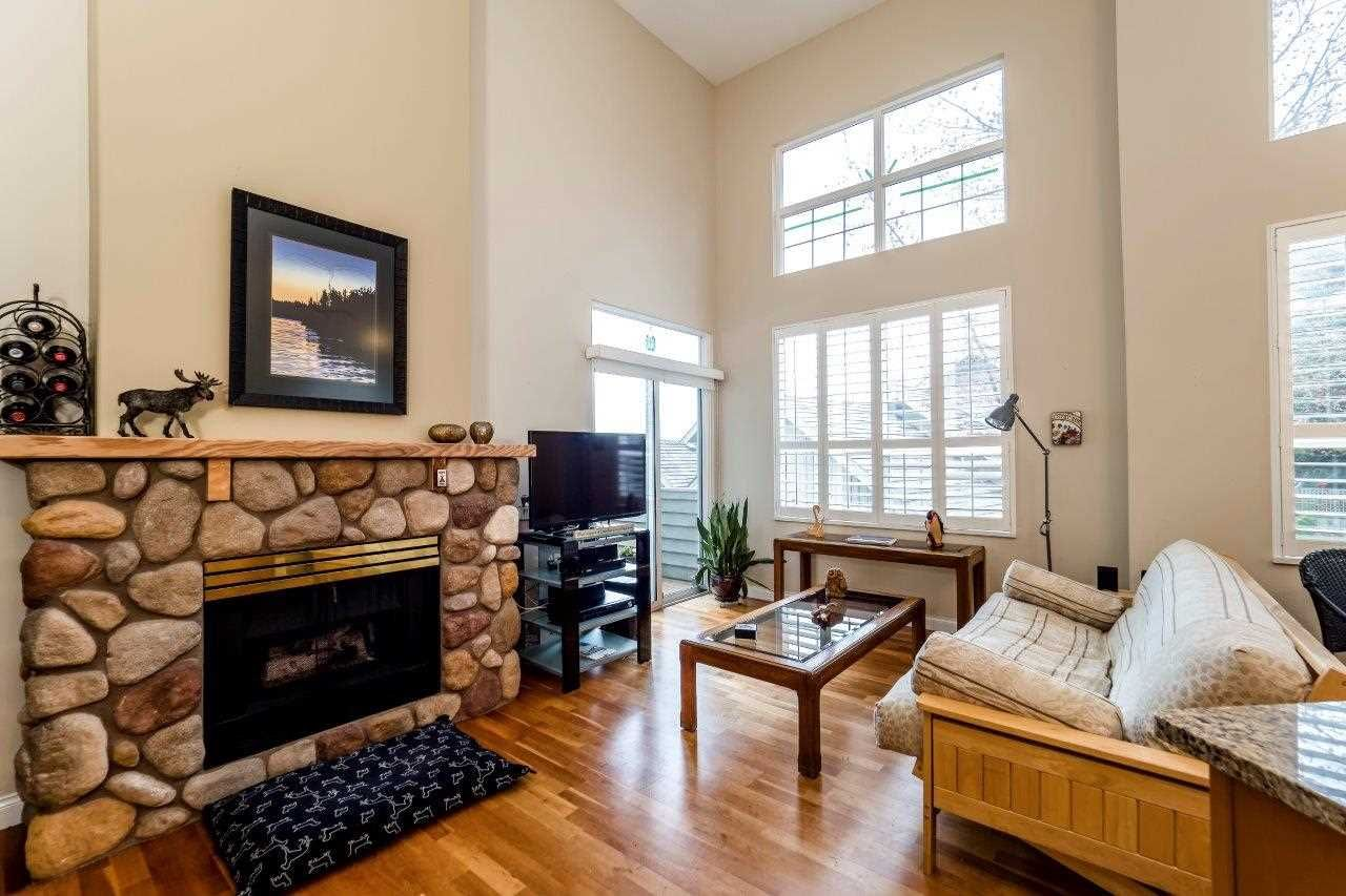 """Photo 6: Photos: 201 1465 PARKWAY Boulevard in Coquitlam: Westwood Plateau Townhouse for sale in """"SILVER OAK"""" : MLS®# R2249659"""
