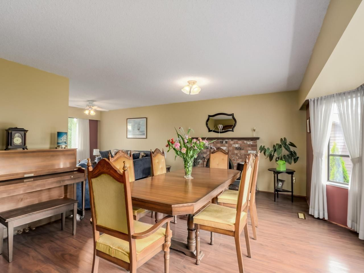 Photo 8: Photos: 4032 AYLING Street in Port Coquitlam: Oxford Heights House for sale : MLS®# R2074528