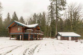 "Photo 2: 2020 PARADISE VALLEY Road in Squamish: Paradise Valley House for sale in ""Paradise Valley"" : MLS®# R2131666"