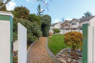 Photo 4: 2881 Young Pl in VICTORIA: La Glen Lake Half Duplex for sale (Langford)  : MLS®# 780150