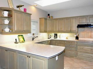 Photo 5: 911 Lakes Blvd in FRENCH CREEK: PQ French Creek Row/Townhouse for sale (Parksville/Qualicum)  : MLS®# 626665
