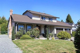"""Photo 2: 18875 57 Avenue in Surrey: Cloverdale BC House for sale in """"Fairway Estates"""" (Cloverdale)  : MLS®# R2445058"""