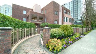 "Photo 8: 506 2271 BELLEVUE Avenue in West Vancouver: Dundarave Condo for sale in ""The Rosemont on Bellevue"" : MLS®# R2562061"